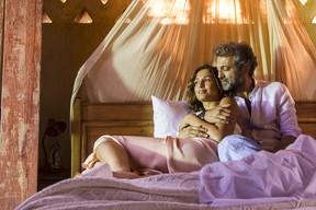 Santo ( Domingos Montagner ) e Tereza ( Camilia Pitanga ) (Foto: Globo/Mauricio Fidalgo)