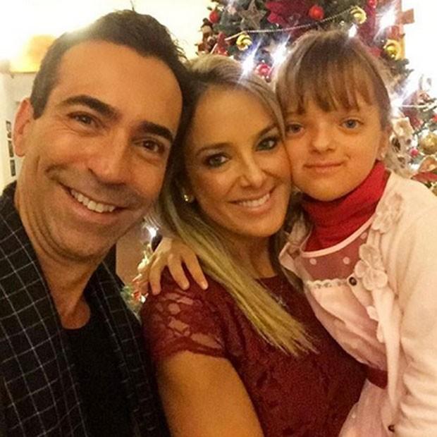César Tralli e Ticiane Pinheiro com Rafaella Justus, filha da apresentadora (Foto: Instagram/ Reprodução)