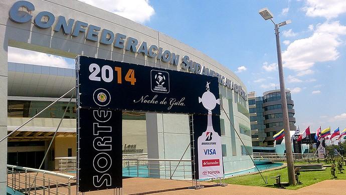 preparativos sorteio Libertadores (Foto: Richard Souza)