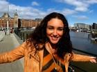 Débora Nascimento comemora aniversário na Europa com amigos