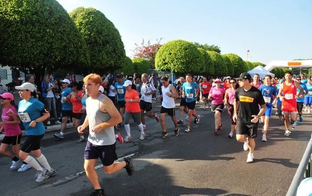 Última etapa do Circuito Joseense de Corrida de Rua, realizada em 21 de outubro (Foto: Charles Moura/PMSJC)