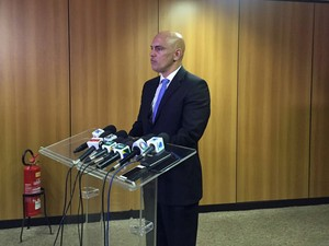 Ministro da Justiça, Alexandre de Moraes, fala à imprensa após reunião com secretários (Foto: Gabriel Luiz/G1)