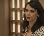 Débora Falabella é Irene em 'A força do querer'   Reprodução