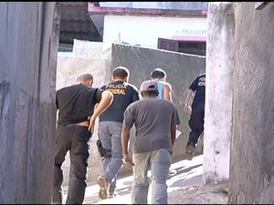 PF faz operação na Região dos Lagos (Foto: Reprodução / Inter TV)