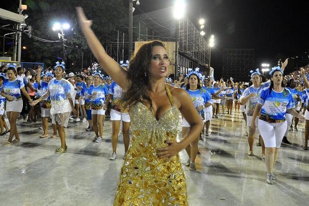 Suzan Pires em ensaio técnico da Vila Isabel na Marquês de Sapucaí, no Rio (Foto: Roberto Teixeira/ EGO)