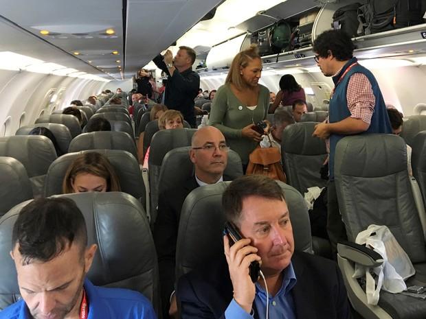 Passageiros embarcaram em 1º voo comercial entre Estados Unidos e Cuba, nesta quarta-feira (31), no aeroporto em Fort Lauderdale, na Flórida (Foto: Jeffrey Dastin / Reuters)
