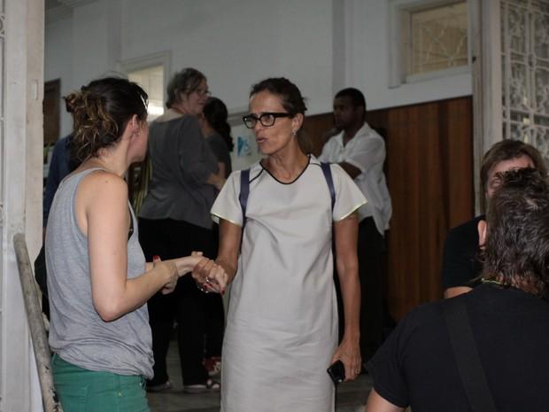 Zélia Duncan no velório de Susana Moraes na Zona Sul do Rio (Foto: Foto Rio News)