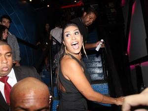 Ex-BBB Amanda em boate na Zona Oeste do Rio (Foto: Thyago Andrade/ Foto Rio News)