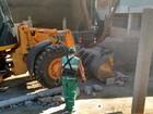 Construção irregular é demolida (Divulgação/Ascom PMP)