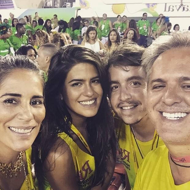 Gloria Pires e família (Foto: Reprodução/Instagram)