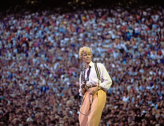 Edmonton,Canadá Bowie levou 60.000 pessoas ao estádio neste dia No total a turnê Seriou Moonlight vendeu 205 milhões de ingressos (Foto:  Denis O'Regan)