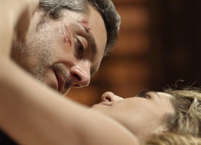 Romero e Atena armam contra a facção (Foto: TV Globo)