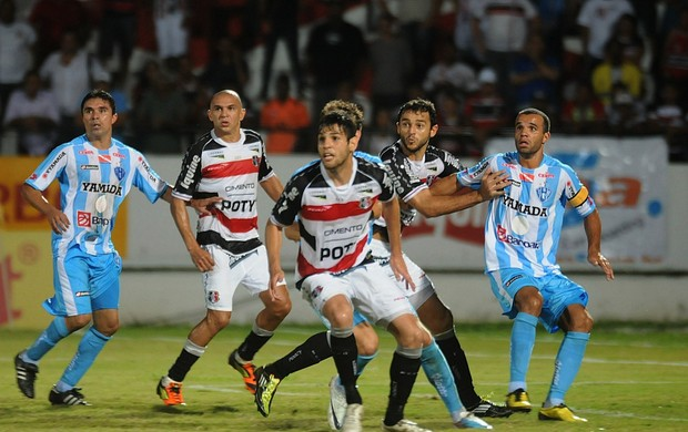 santa cruz x paysandu (Foto: Aldo Carneiro / Pernambuco Press)