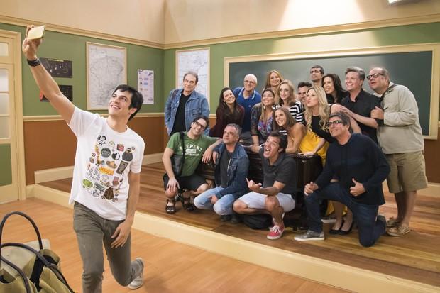 Elenco reunido de Escolinha do Professor Raimundo (Foto: Globo/Cesar Alves)