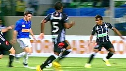 Melhores momentos: Cruzeiro 1 x 0 Figueirense pela 5ª rodada do Brasileiro 2012