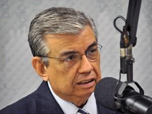 O ministro da Previdência Social, Garibaldi Alves Filho, fala durante o programa Bom Dia Ministro, sobre a formalização de mais de um milhão de empreendedores individuais no Brasil.  (Foto: Elza Fiúza/ ABr)