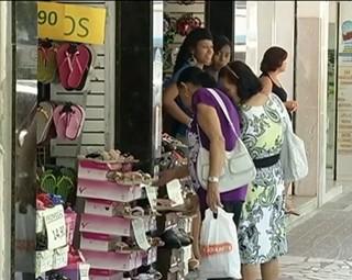 O comércio de Três Rios está proibido de funcionar no feriado (Foto: Reprodução Bom Dia Rio)