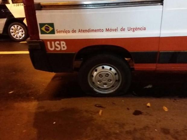 Funcionários reclamam da falta de manutenção nos veículos do Samu de São Carlos (Foto: VC no G1)