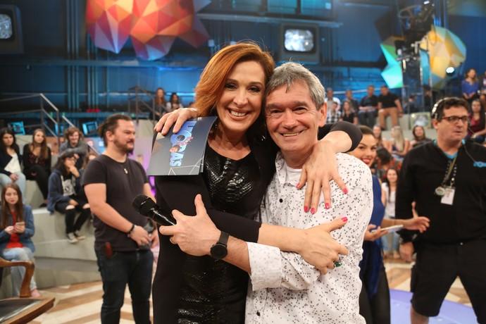 Claudia Raia e Serginho Groisman nos bastidores do 'Altas' (Foto: Carol Caminha/Gshow)