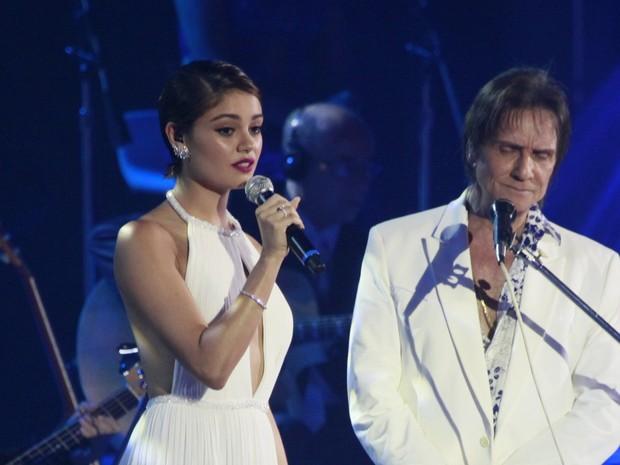 Sophie Charlotte canta com Roberto Carlos em show no Rio (Foto: isa)