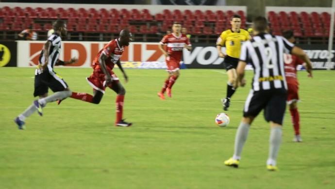 CRB x Botafogo, em Maceió (Foto: Jonathan Lins/GloboEsporte.com)