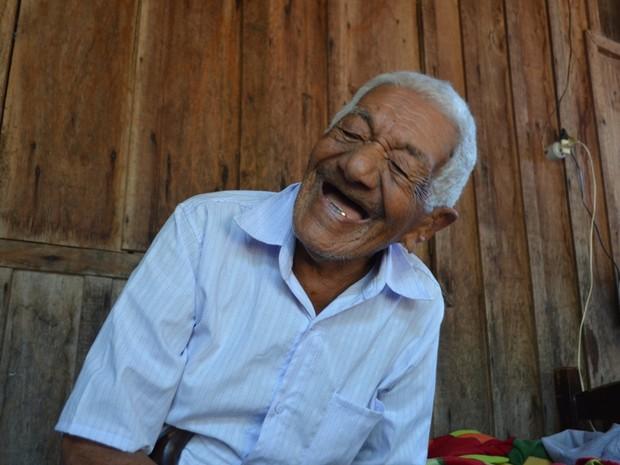Aos 116, Felício diz que não tem nada do que reclamar (Foto: Dennis Weber/ G1)