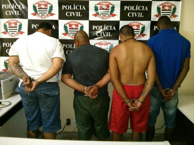 Segundo a polícia, um dos presos é chefe de uma facção criminosa (Foto: Cláudio Nascimento / TV TEM)