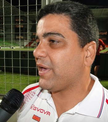 Marcelo Cabo, técnico do Tombense (Foto: Léo Simonini / Globoesporte.com)