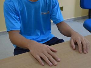 Rapaz de 15 anos roubou dinheiro para não precisar pedir nada ao pai (Foto: Krystine Carneiro/G1)