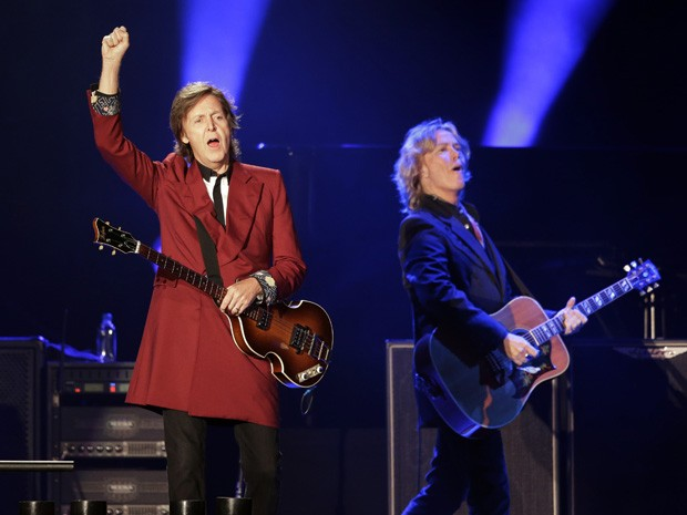 Paul McCartney se apresenta no Candlestick Park de San Francisco nesta quinta-feira (14) (Foto: AP Photo/Marcio Jose Sanchez)