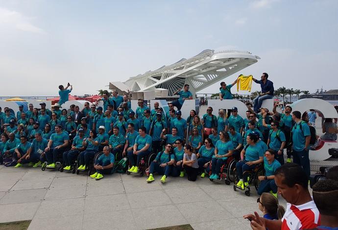 Atletas paralímpicos Praça Mauá recepção Rio (Foto: Leonardo Filipo)