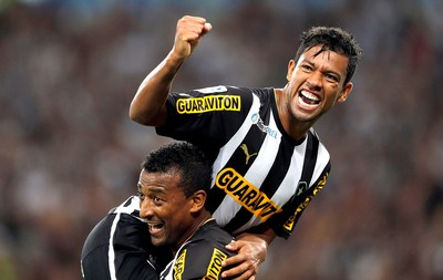 Wallyson comemoração Botafogo e Deportivo Quito (Foto: Reuters)