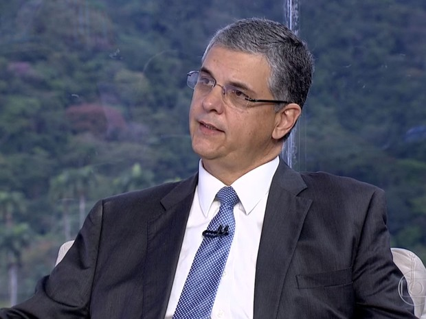 Secretário de Fazenda do Rio, Gustavo Barbosa, fala ao Bom Dia Rio sobre medidas contra a crise (Foto: Reprodução/TV Globo)