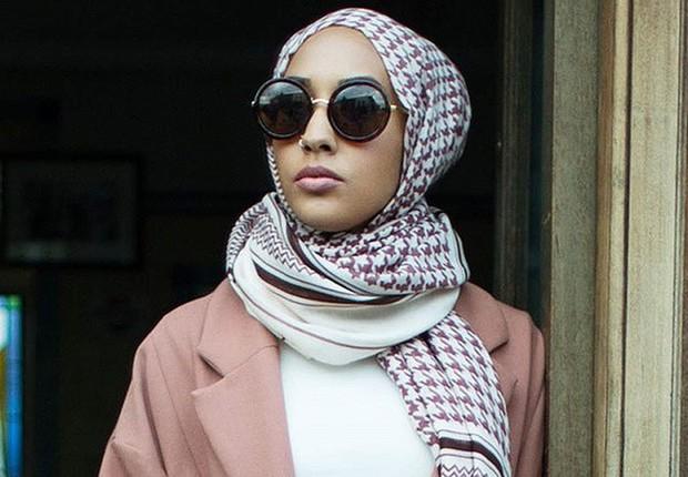 Campanha da H M com a modelo muçulmana Mariah Idrissi  polêmica por uso de  hijab ( 1af3a7dd28