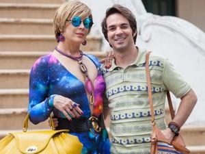 Claudia Raia e Caputo posam como Samantha e Pepito (Foto: Fabiano Battaglin/ Gshow)