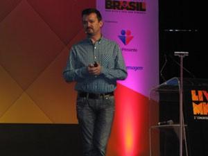 Diretor-técnico usou exemplo do Cirque Du Soleil para falar de criatividade (Foto: Gabriela Gasparin/G1)