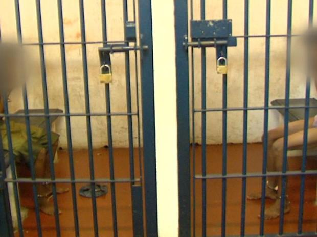 Irmãos gêmeos foram presos nesta segunda-feira (19) em Araraquara (Foto: Marlon Tavoni/EPTV)