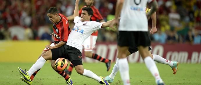 Carlos Eduardo jogo Flamengo e Atlético-PR final Copa do Brasil (Foto: André Durão / Globoesporte.com)