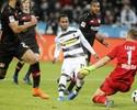 Chicharito encerra seca, mas Gladbach consegue a virada com gol de Raffael