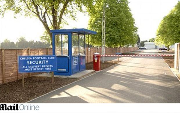 Centro de treinamento Chelsea londres (Foto: Reprodução / Daily Mail)