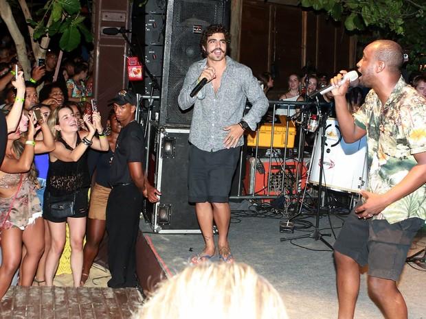 Caio Castro e Thiaguinho em festa em Trancoso, na Bahia (Foto: Dilson Silva/ Ag. News)