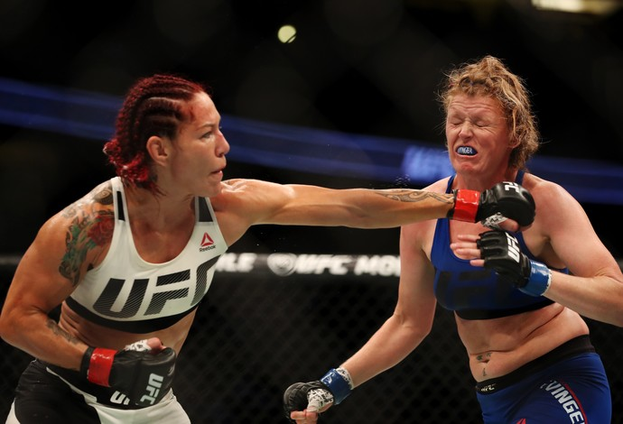 Cris Cyborg, Tonya Evinger, UFC 214, MMA (Foto: Getty Images)