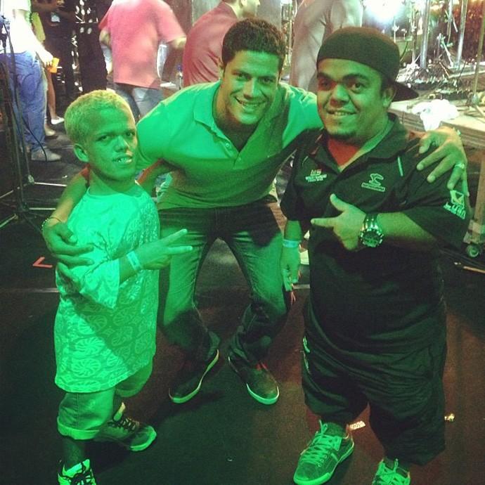 Hulk aproveita show de Wesley safadão  (Foto: Reprodução / Instagram)