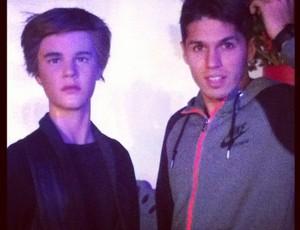 Patito posou ao lado de Justin Bieber (Foto: Reprodução / Instagram)