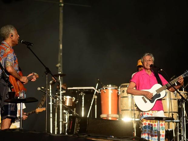 Caetano Veloso e Gilberto Gil passam som na Praça Cairu, em Salvador (Foto: Valter Pontes/Agecom)