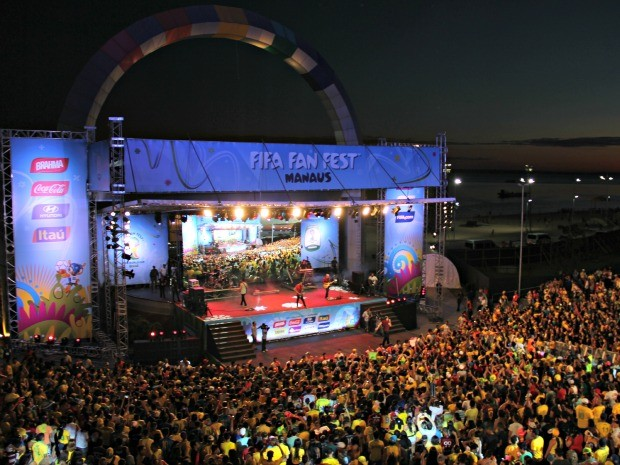 Evento contou com show da banda nacional Biquini Cavadão  (Foto: Diego Toledano/ G1 AM)