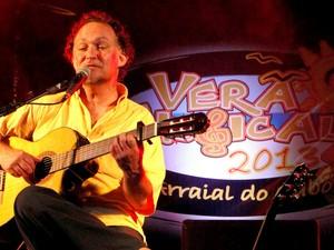 Claudio Nucci em apresentação no Verão Musical, em Arraial do Cabo, RJ (Foto: Cleide Mendonça)
