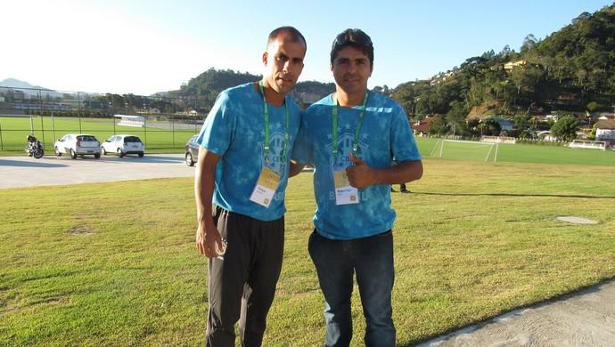 Roberley na companhia de Felipe, ex-atleta de Vasco e Flamengo, e colega de curso (Foto: Divulgação)