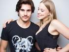 Marcella Rica e Nicolas Prattes vão a evento de moda no Rio