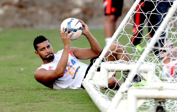 André Santos no treino do Flamengo (Foto: Cezar Loureiro / Agência O Globo)